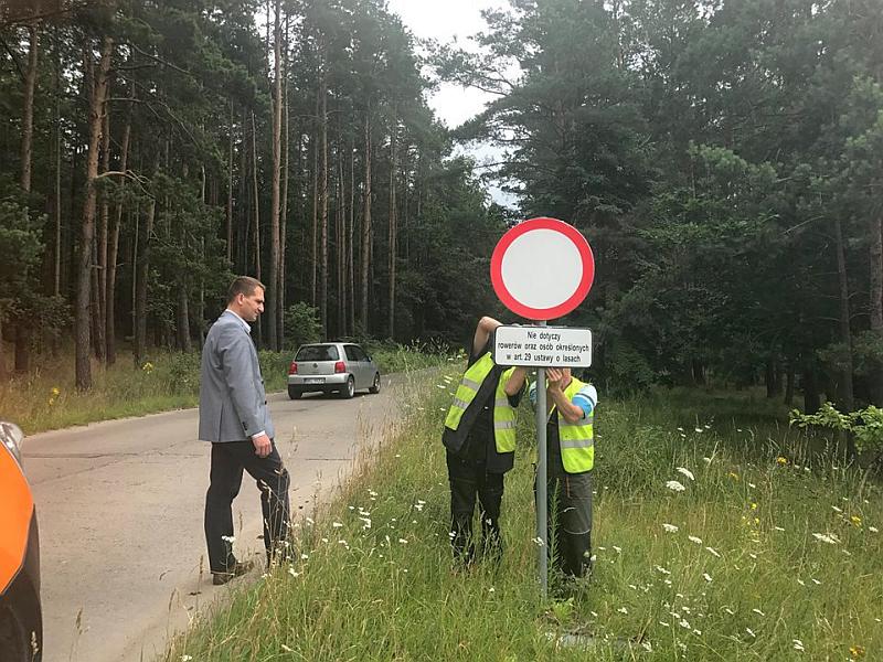 """Pojedziemy """"drogą przez las"""""""