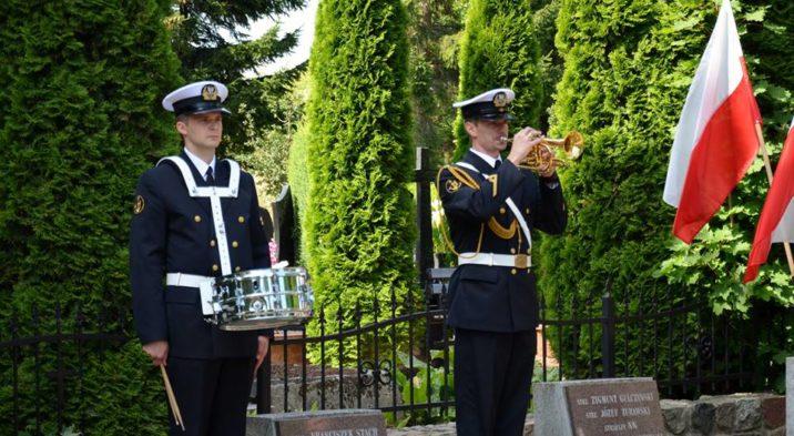 Święto Wojska Polskiego – Uroczystości w Kwaterze Żołnierzy Poległych w Obronie Kępy Oksywskiej