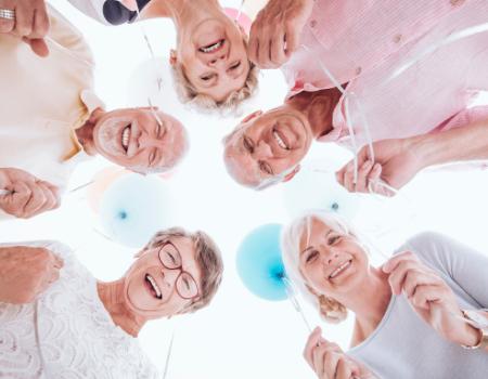 Wszystkich mieszkańców 60+ serdecznie zapraszamy nazajęcia dokosakowskiego Klubu Seniora